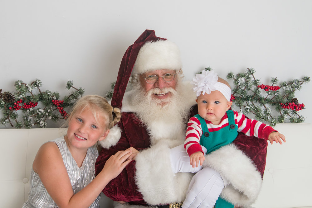 st-louis-photography-studio-sessions-with-santa-2018-santa-with-two-girls.jpg
