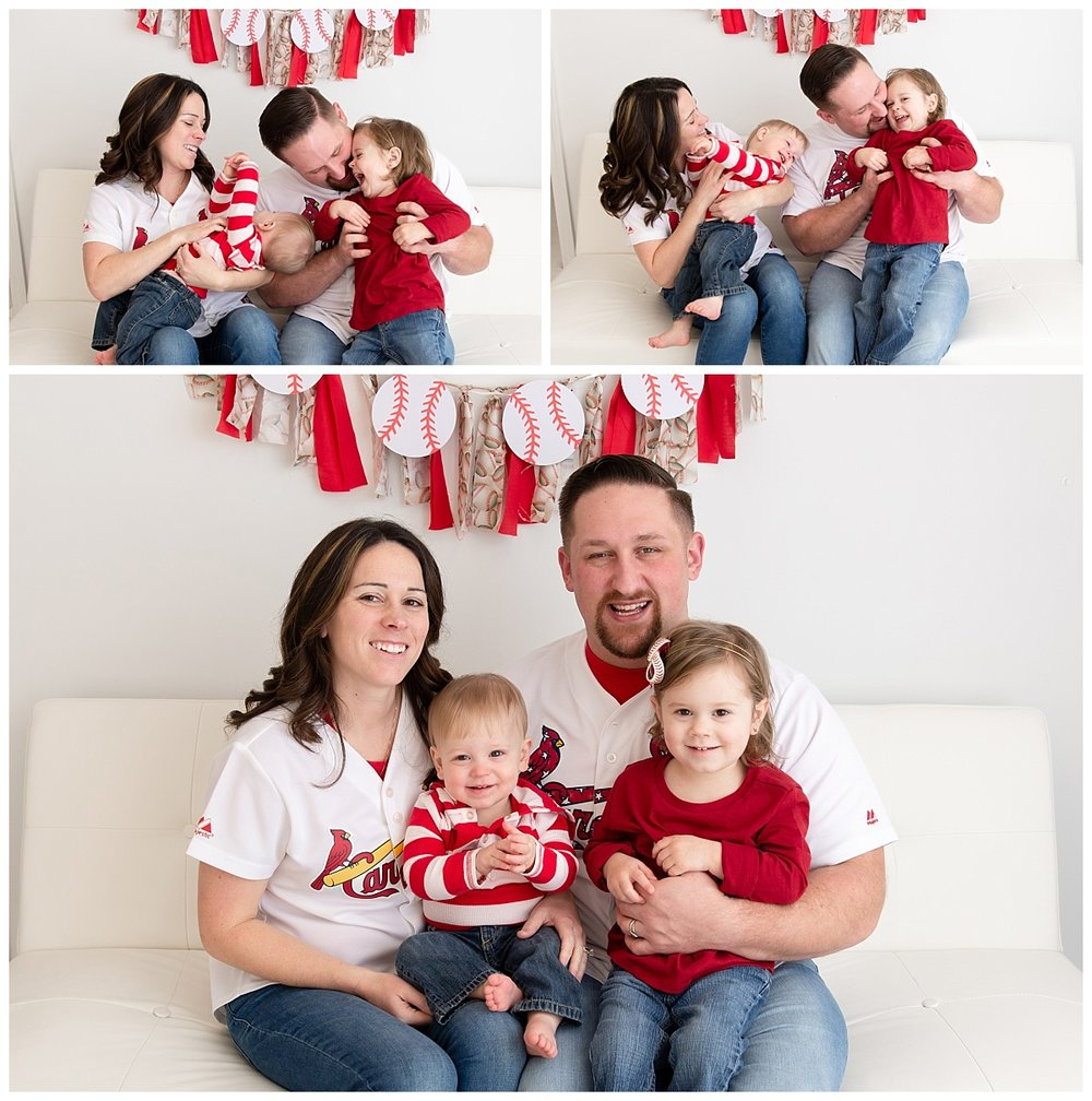 st-louis-family-photographer-st-louis-cardinals-family-pictures-family-of-four.jpg