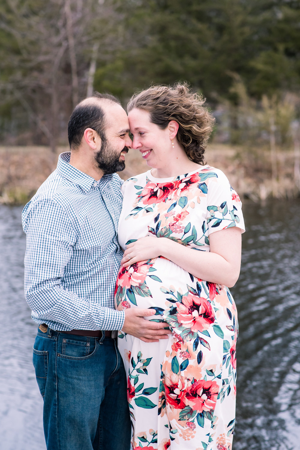 Outdoor Maternity Pictures Powers Farm Park Randolph MA  (2 of 1).jpg