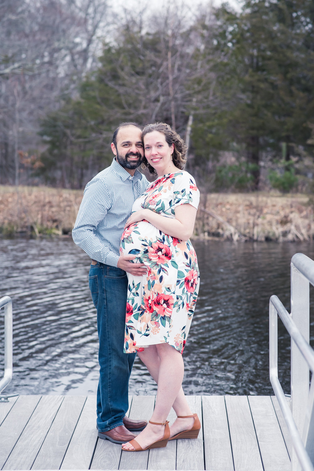 Powers Farm Boathouse Maternity Portraits (8 of 1).jpg