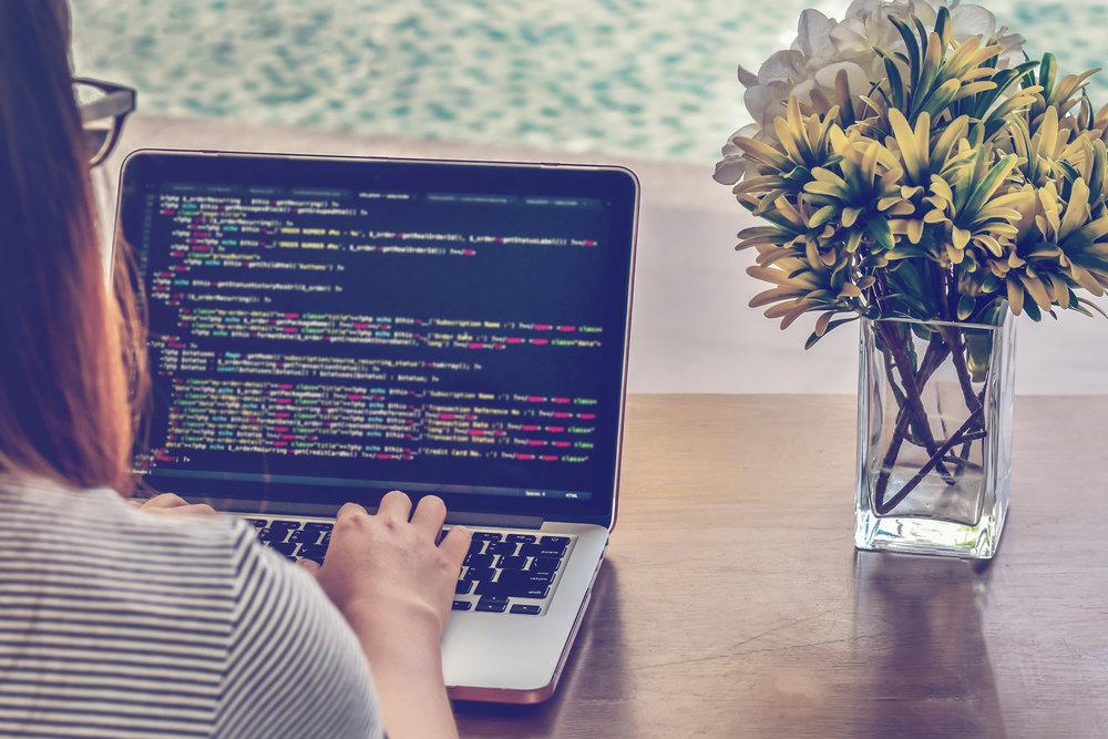 girl_coding.jpg