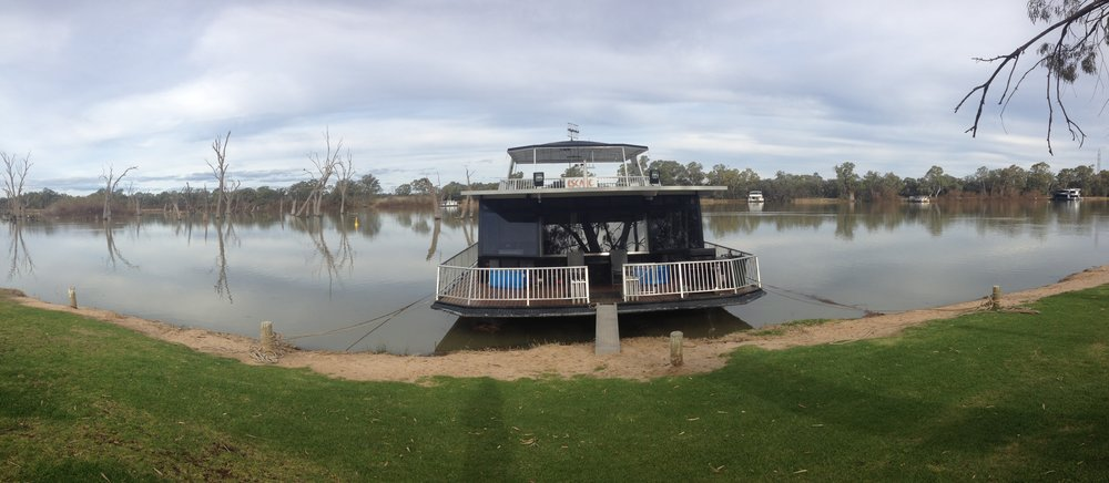 house boat renmark bucket list
