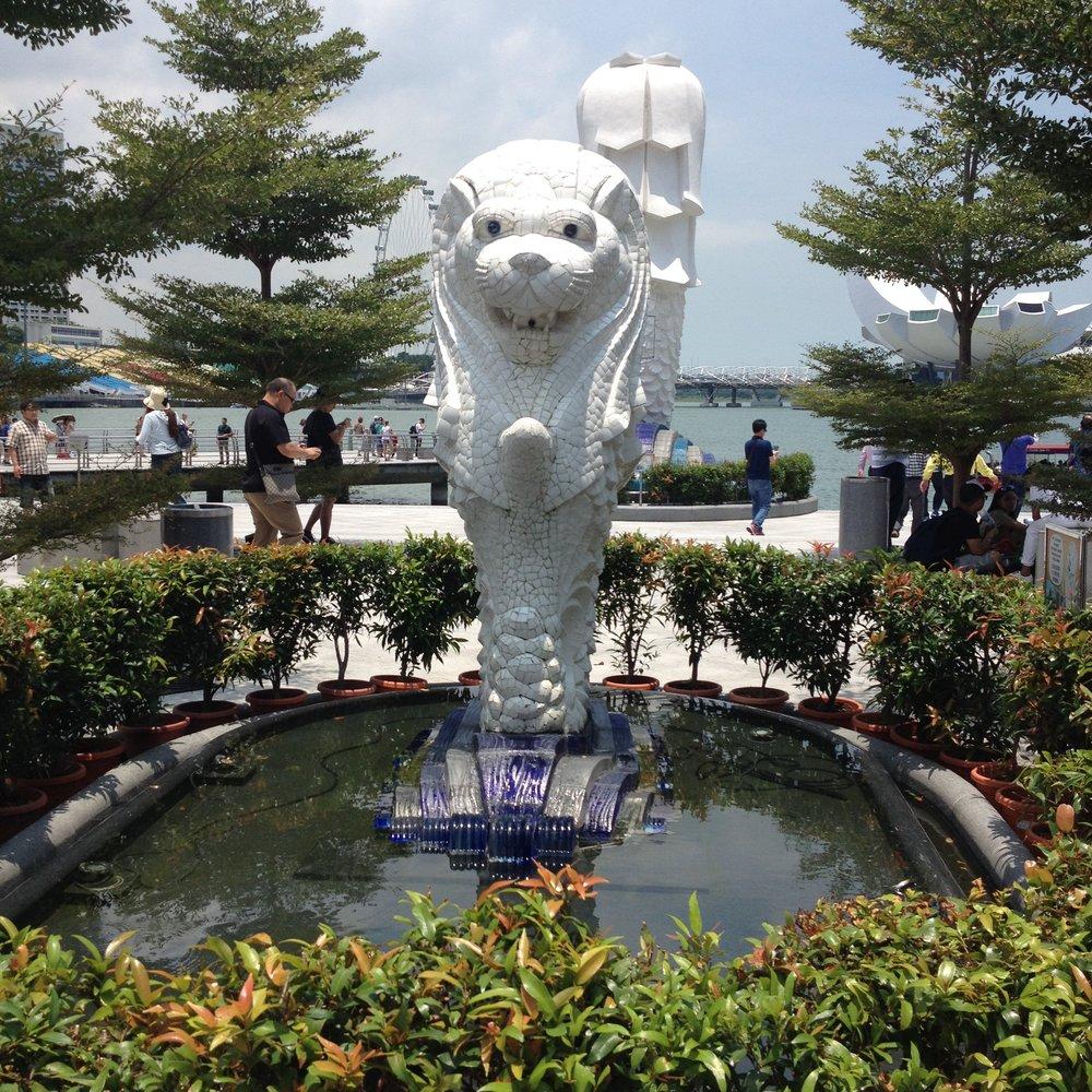 Merlion Park statue Singapore City One Fullerton