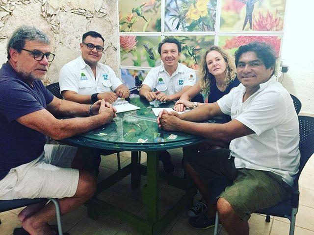 """Preparándonos para el grado del primer grupo de """"Guardianes de la Isla"""" en Cozumel!"""