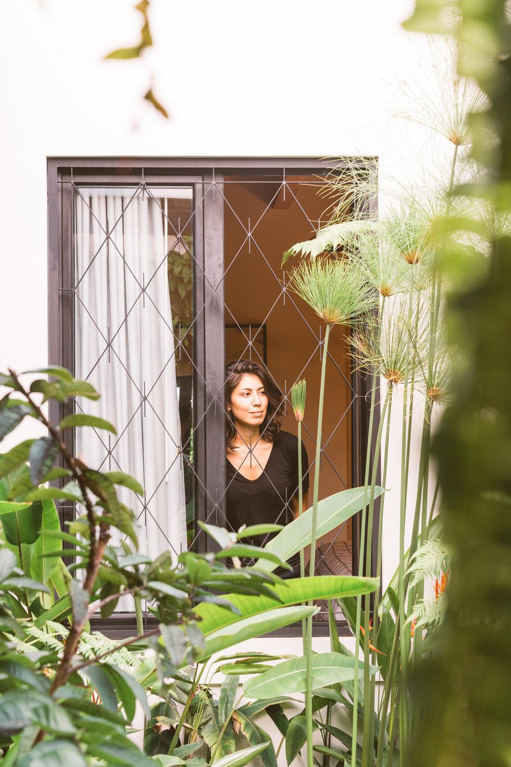 Good Hotel Antigua Window With Woman
