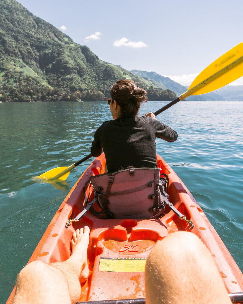 couple kayaking at lake Atitlan