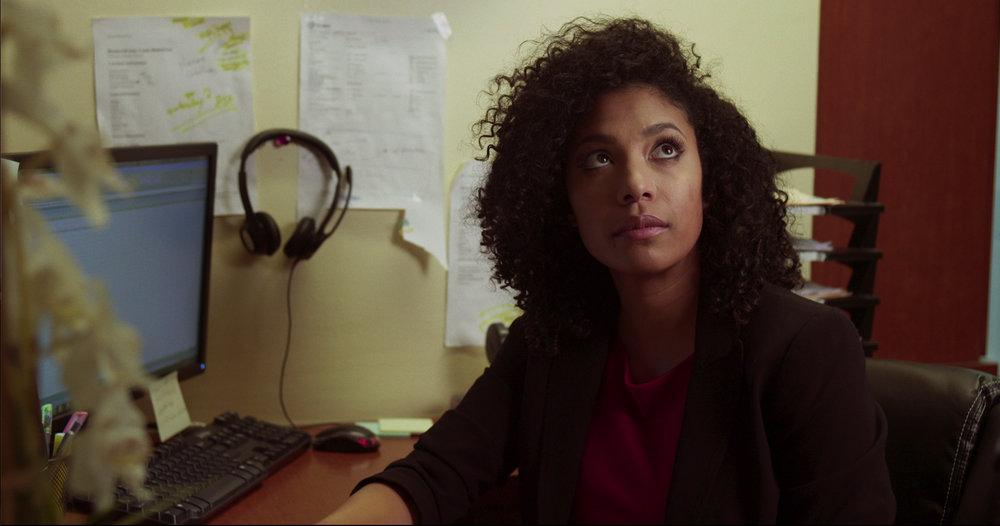 Renahy Aulani as Amy