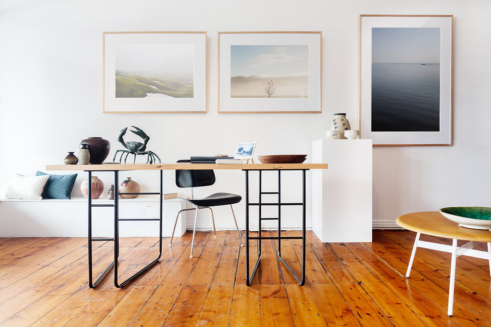 Hugo Desk - With a light and airy appearance, the Hugo desk will make your workspace feel a lot more relaxed.