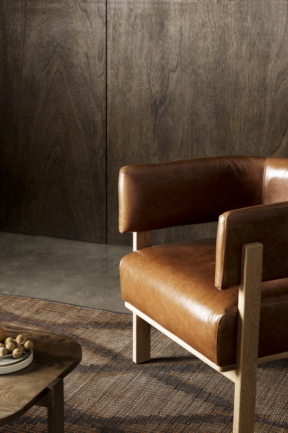 Flo armchair in Antico leather.