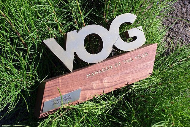 We Design Well with Others! // Recently, we helped @fluevog design and create some trophies for their employees. Brass and walnut alllllll daaayyyy 🤟 ===== We have started to collaborate more and more with other companies looking to bring their product ideas into reality. As we continue to design and create our own products we want to share our design and fabrication skills and knowledge with others. If you want to collaborate give us a shout! 👋