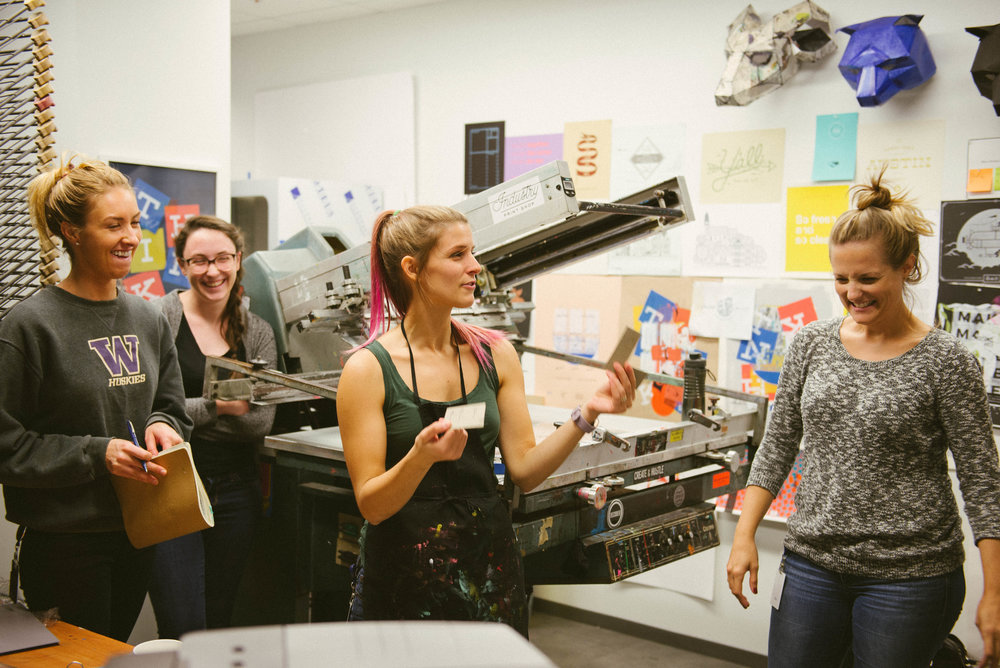 Alison Entsminger teaching an Intro to Screenprinting Class and absolutely killing it.