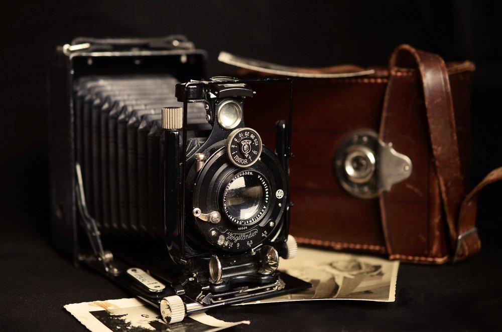 camera-711025_1920.jpg
