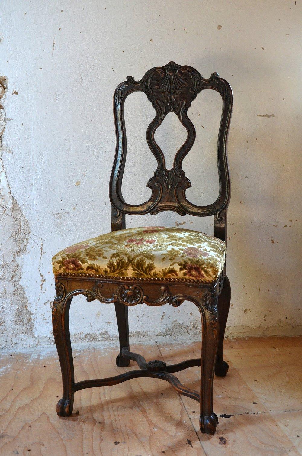 chair-481002_1920.jpg
