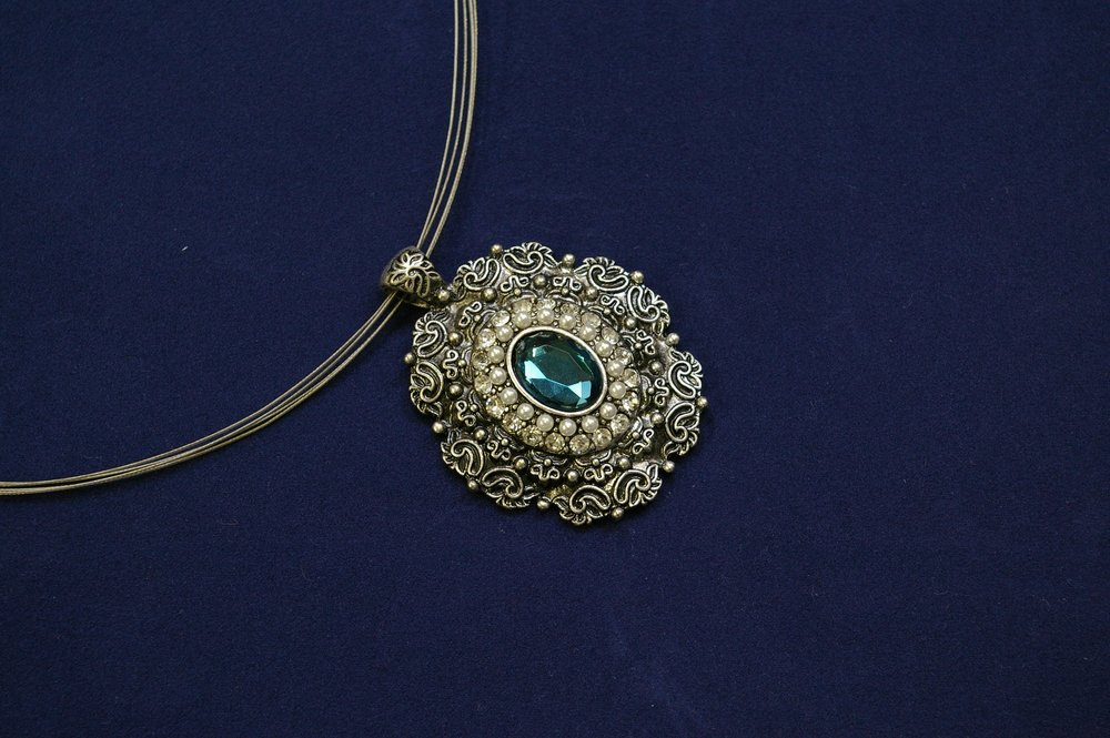 jewellery-784410_1920.jpg