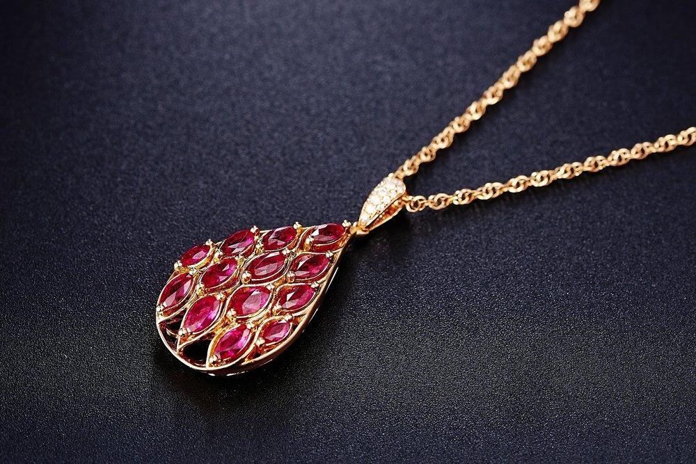 jewelry-625720_1920.jpg