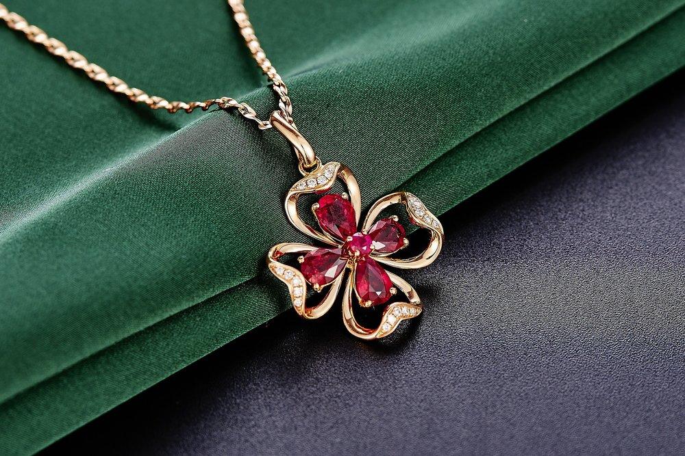 jewelry-625725_1920.jpg