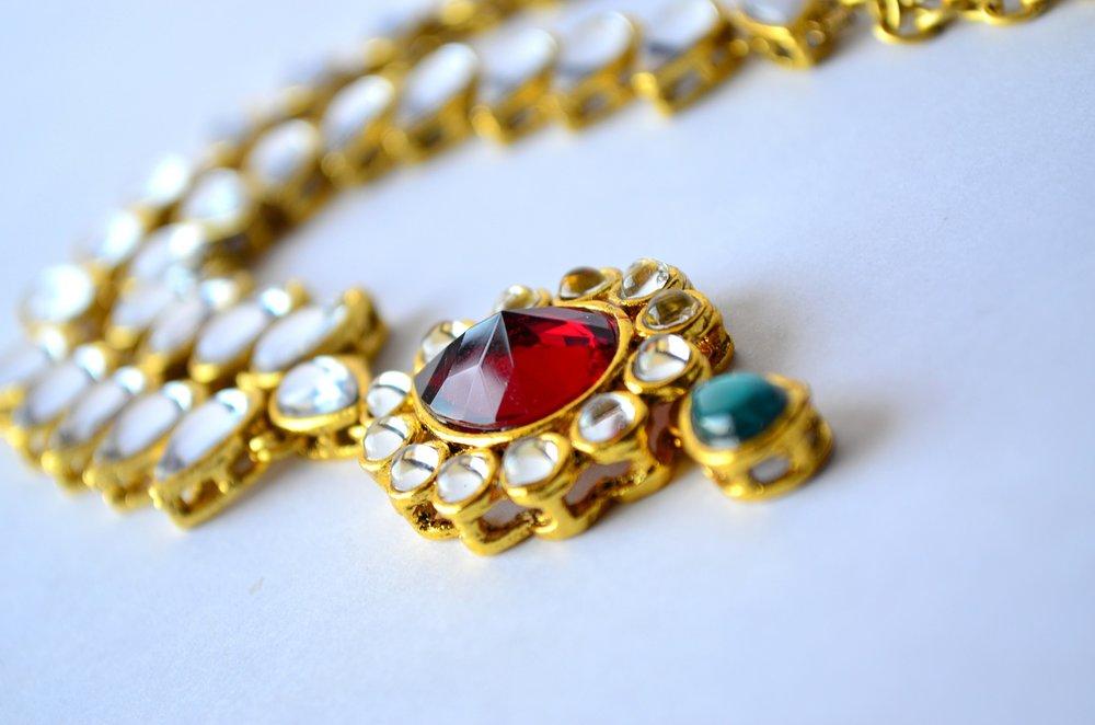 necklace-390378_1920.jpg