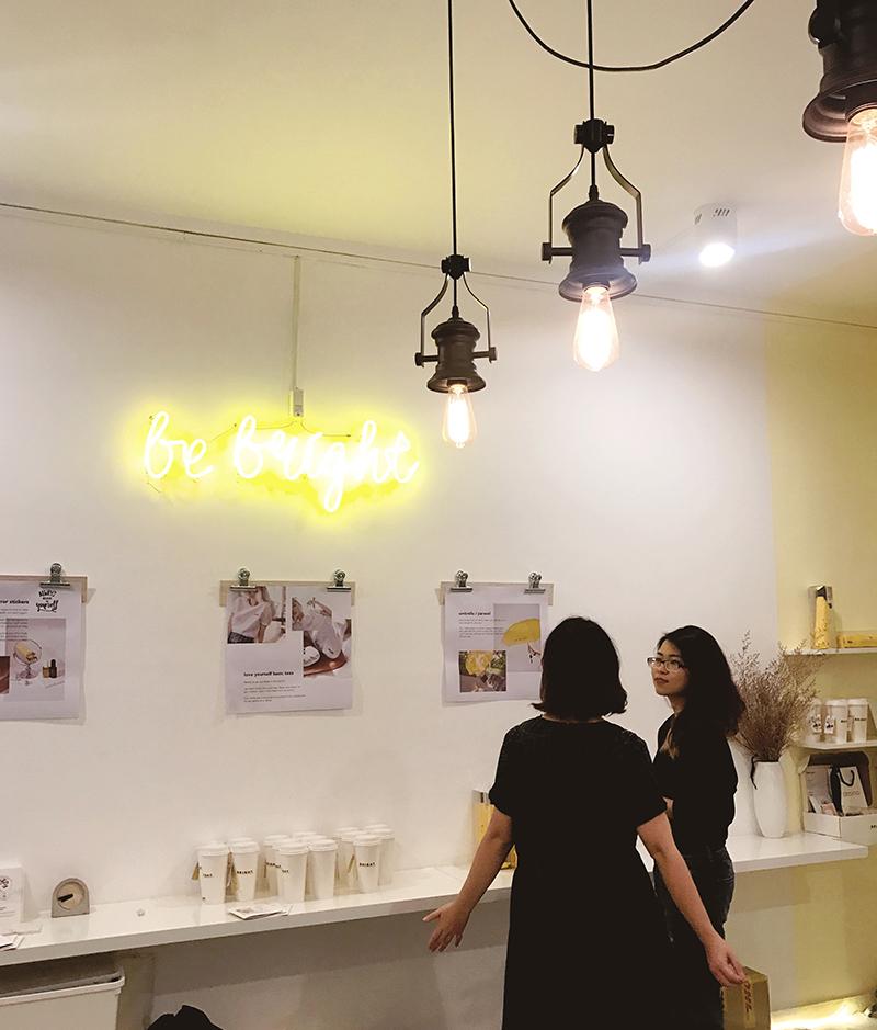 Bright Studio and Gift Shop Hai Ba Trung Saigon HCMC.jpg