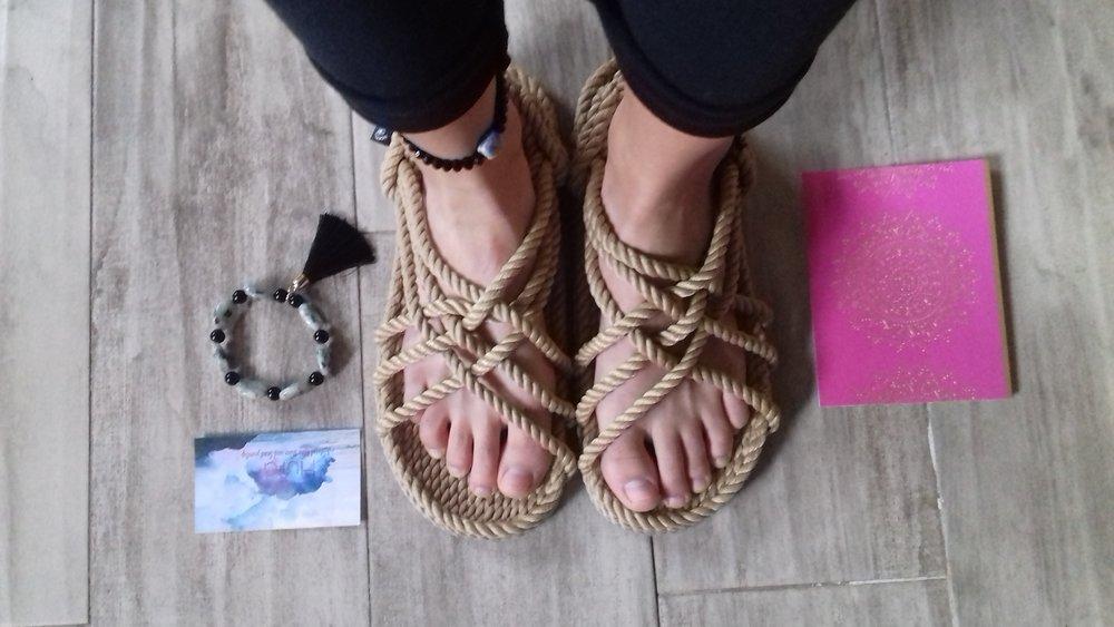 La Vida De RoseBelle blog - wearing Aura Stone Boho Bracelets (5).jpg