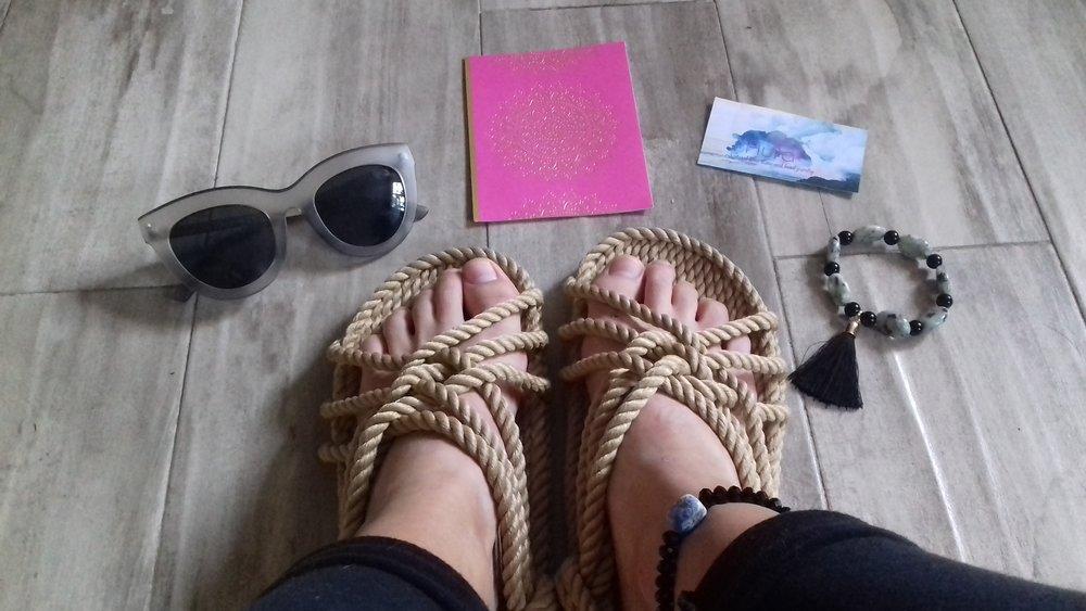 La Vida De RoseBelle blog - wearing Aura Stone Boho Bracelets (6).jpg