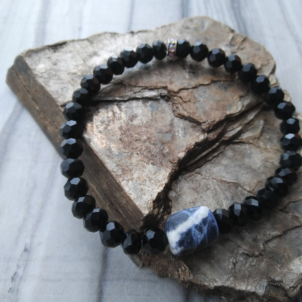 Sodalite yoga and meditation bracelet