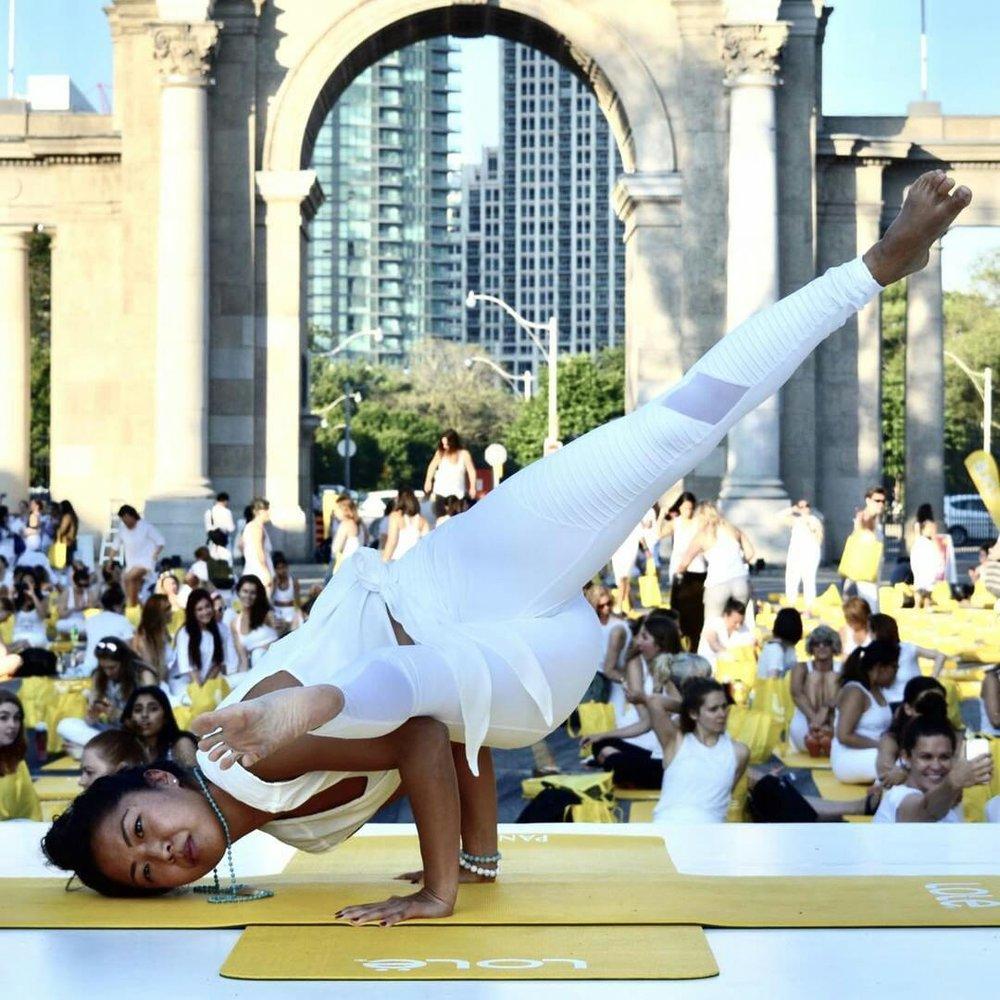 Toronto Yoga with Su. Great yoga inspiration!