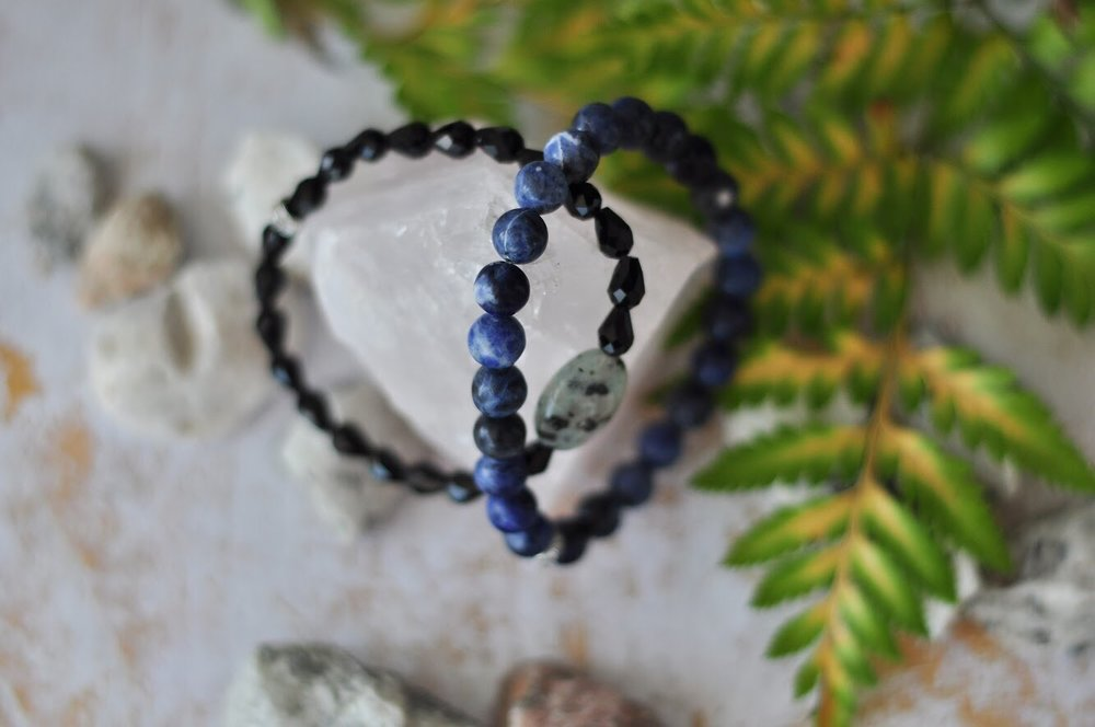 Excellent aid for creative energy - Sodalite bracelet from Aura