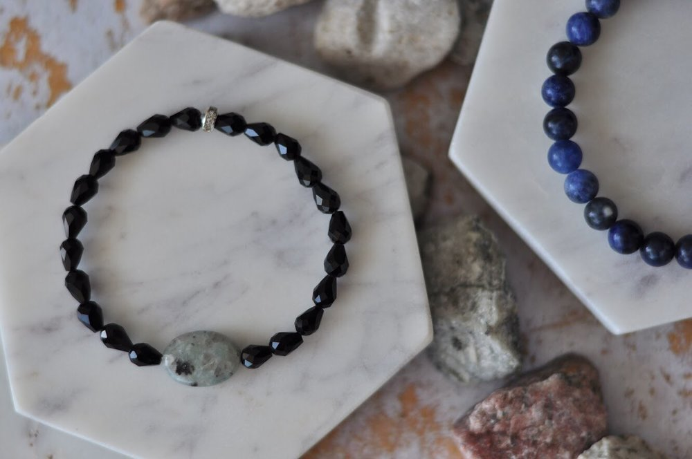 Aura bracelets in green Kiwi Jasper and blue sodalite
