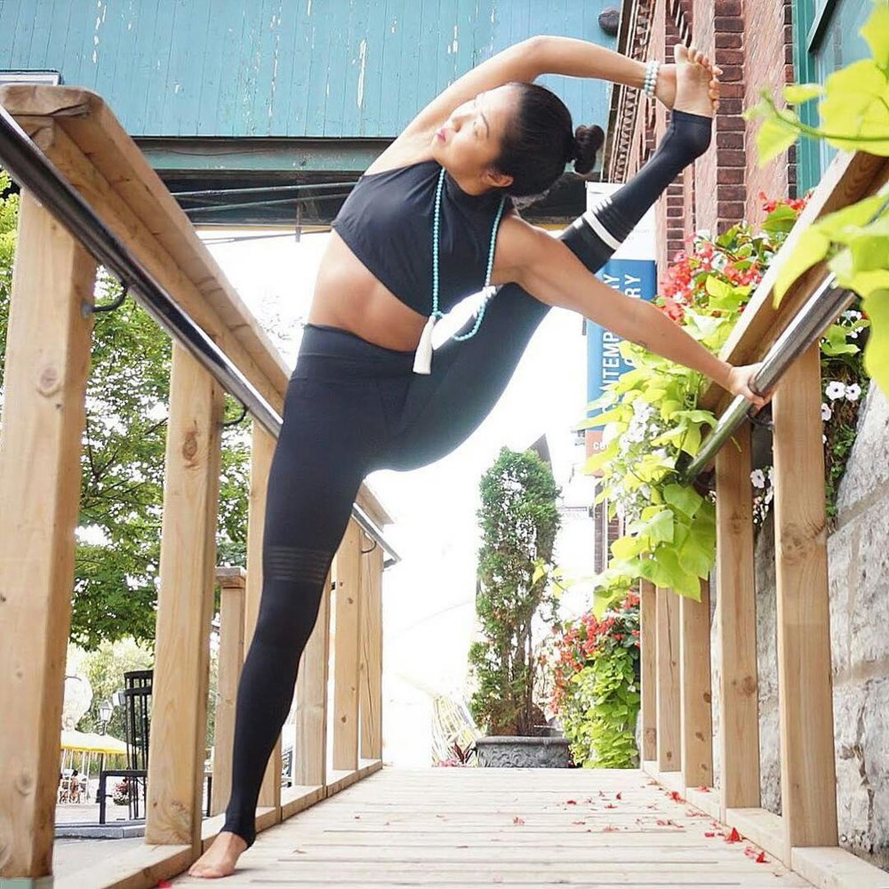 Great yoga flexibility from Toronto yogi, Su. Click and see more yoga inspiration.