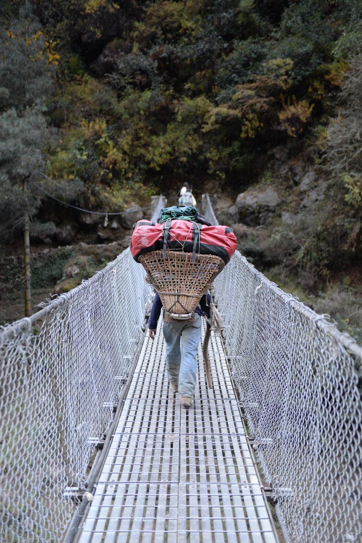 Hilary Bridge หรือสะพานที่ตั้งชื่อให้เกียรติ Sir Edmund Hillary ชายคนแรกที่พิชิตยอดเอเวอเรสได้