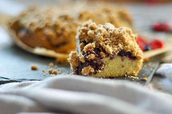 Mixed Berry Crumb cake_slice ECU.jpg