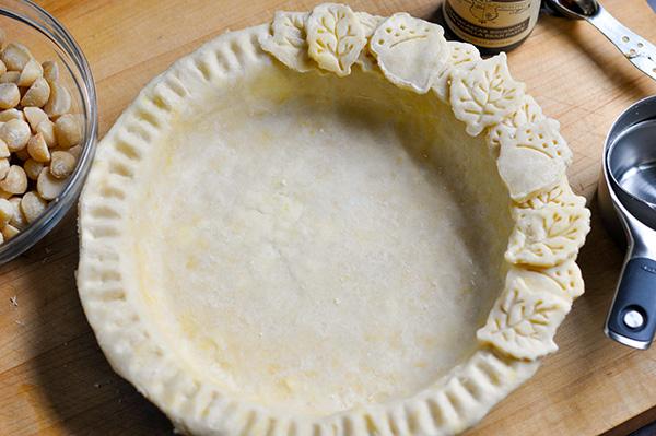 Vanilla Bean Macadamia Nut Pie_crust-0151.jpg