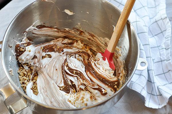 Hazelnut Nutella Meringues_Swirled-0124.jpg