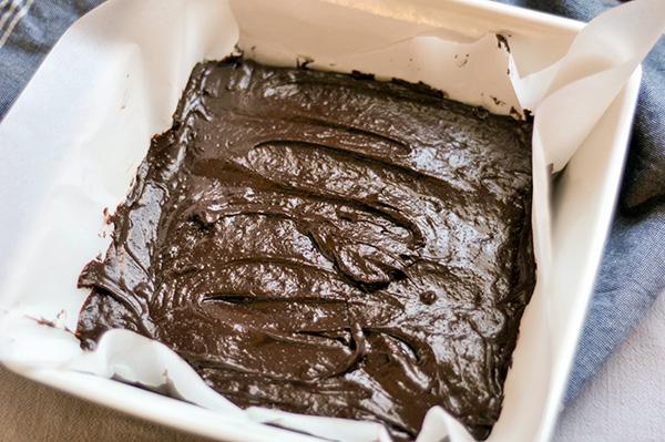 Meringue Topped Brownies_spread-0097.jpg