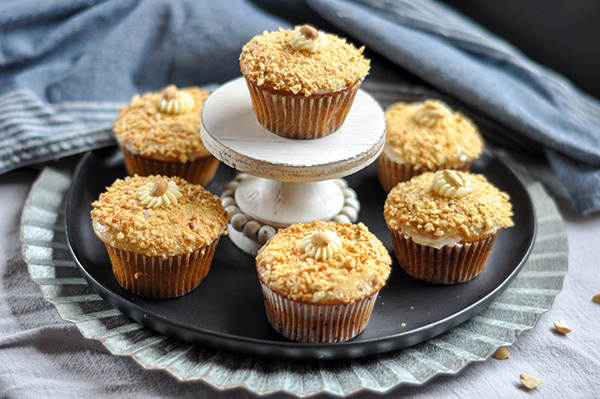 Crunchy Peanut upcakes_tower-0088.jpg