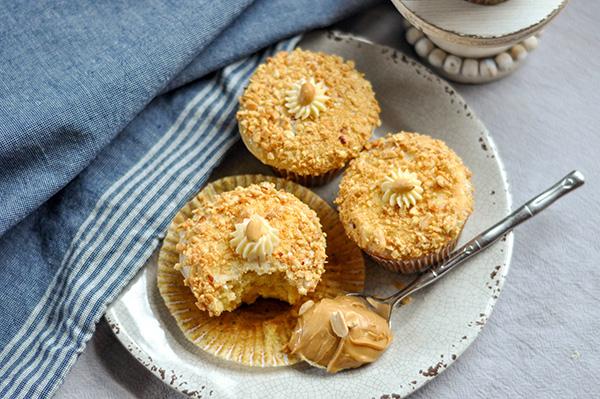 Crunchy Peanut upcakes_3 overhead-0074.jpg