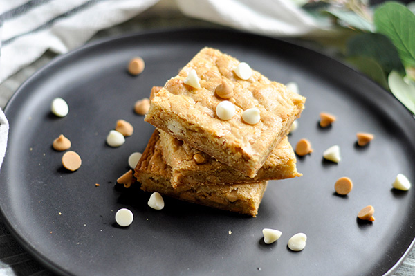 Peanut Butter Chip Blondie- Stack-0045.jpg