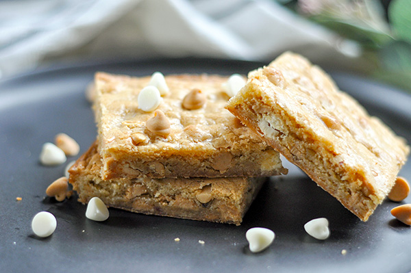 Peanut Butter Chip Blondie- Stack ECU-0060.jpg