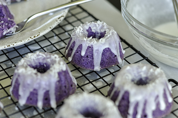 Mini Ube Coconut Bundt Cake_CU tray.jpg