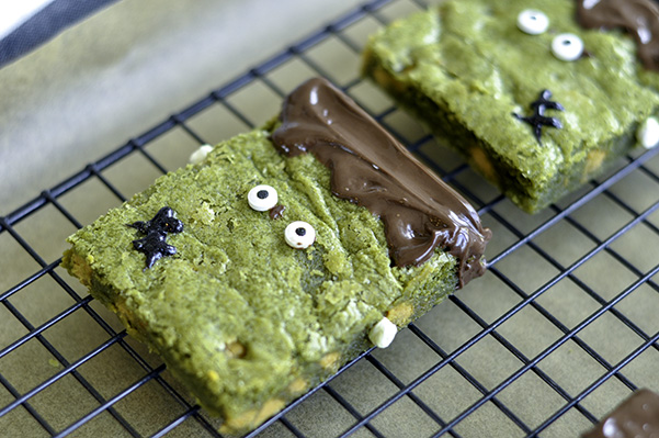 Matcha Butterscotch Franken-Blondies_single wire rack 2.jpg