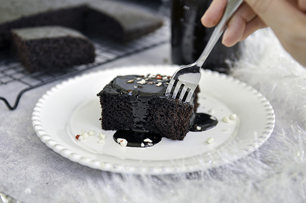 Peppermint Mocha Cake_Dig In.jpg