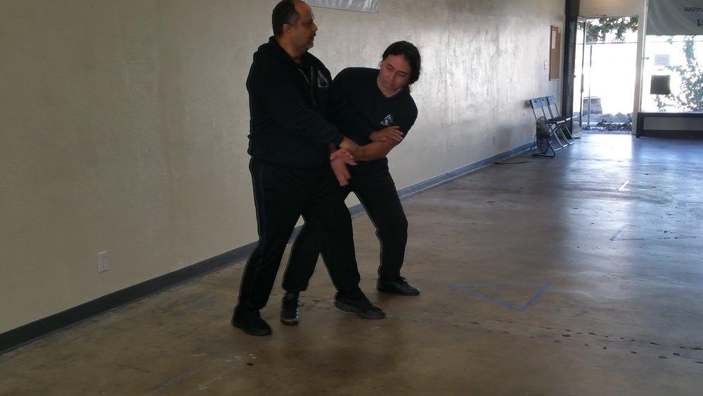 - Kepala Menguruan Dan Huybrechts and Guru Lance Alonzo