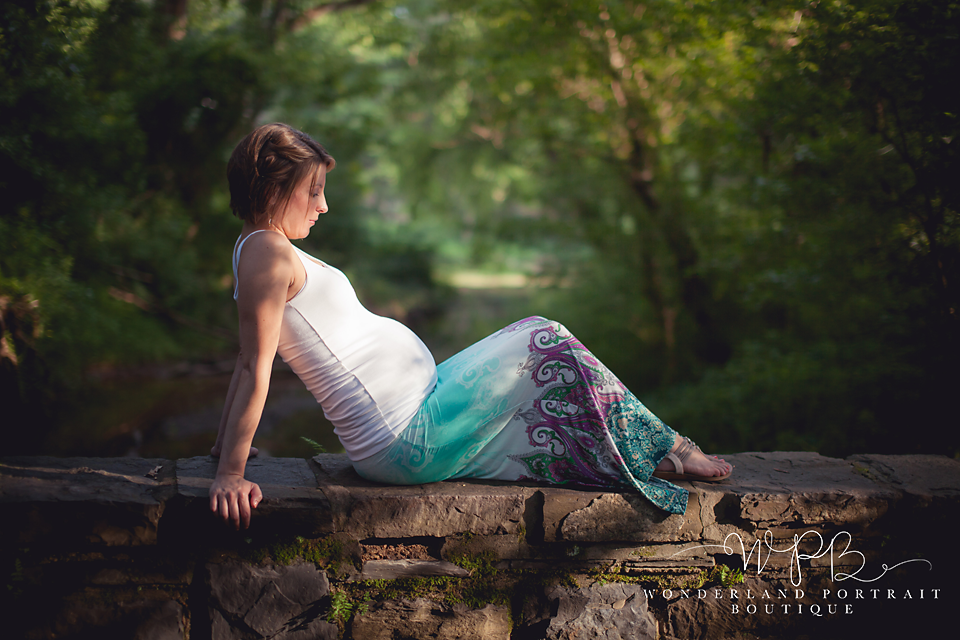 Warminster PA Maternity Photographer Reclined pose WonderlandPortrait.com