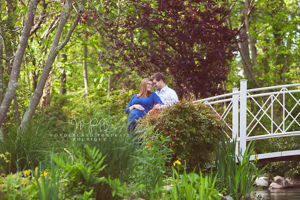 Bucks County PA Botanical Garden Maternity Portraits WonderlandPortrait.com