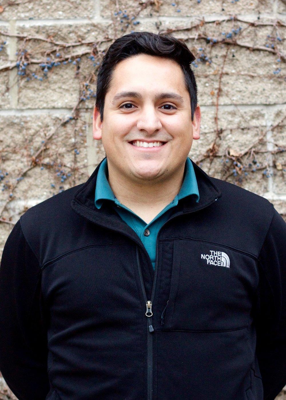 Jose Luis headshot.jpg