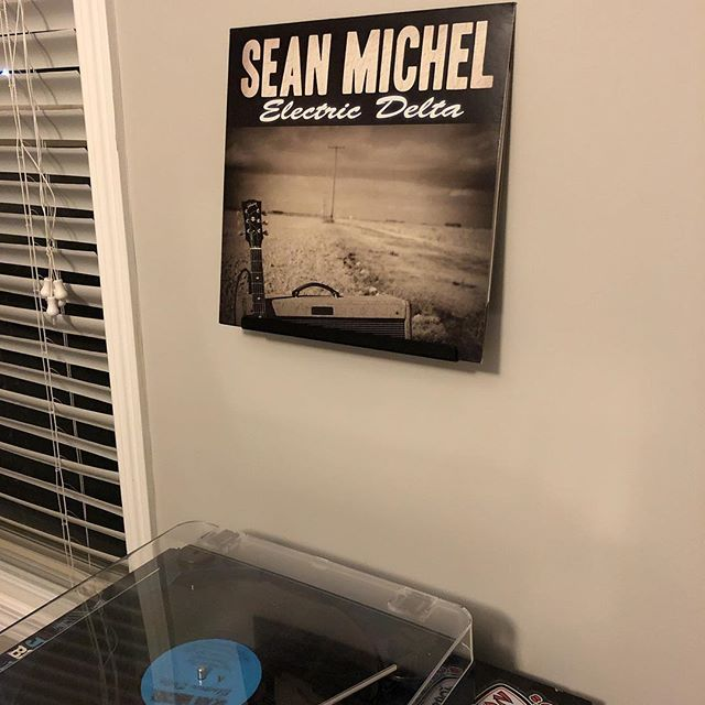 @seanmichelmusic - Electric Delta. I've had this for years as a perk of supporting the album. Been listening to it digitally since it came out, but this is the first time I've listened to the vinyl. So good! • • •