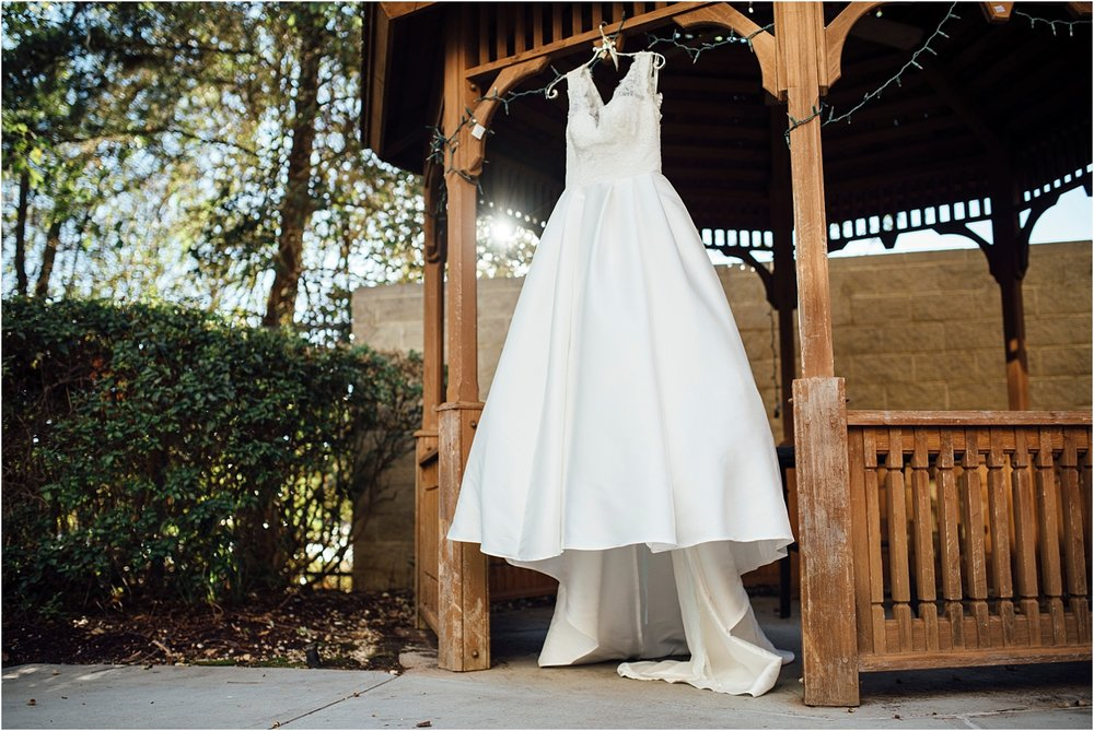 Jennifer + Adam-Lakehouse-Mandeville-Louisiana-Wedding_Blog_016.jpg