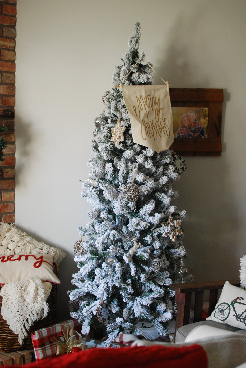 That Big Comfy Chair & A Little Bit of Christmas! — greywoodmama