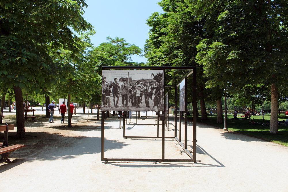 Exhibit on Syrian Refugees in  Parque del Retiro , Madrid.