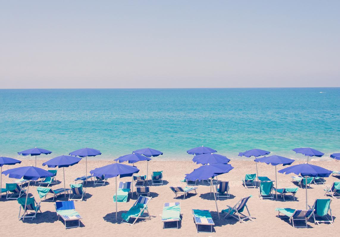 capo-d_orlando-blue-umbrellas